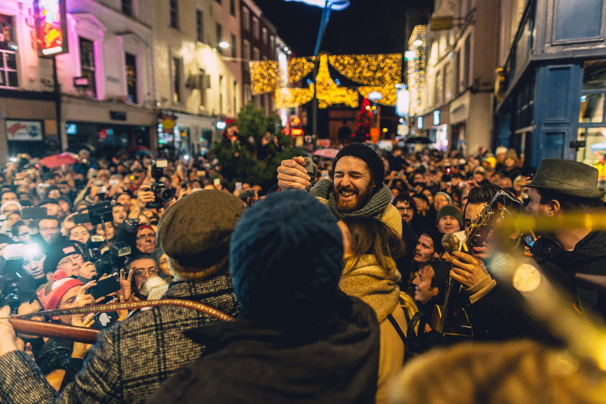 Hozier at Christmas Eve busk on Grafton Street